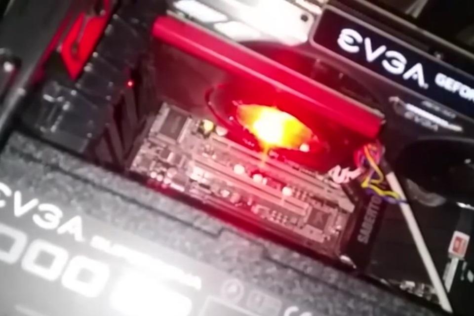 Imagem de Placa GeForce GTX 1080 aparece pegando fogo em vídeo; VRM é o culpado no tecmundo