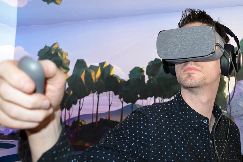 Imagem de Novo headset VR Daydream View da Google ganha preço e data de lançamento no tecmundo