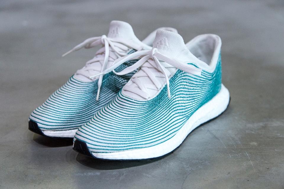 807d7b49b1a Adidas lança tênis feito de plástico reciclado recolhido dos oceanos