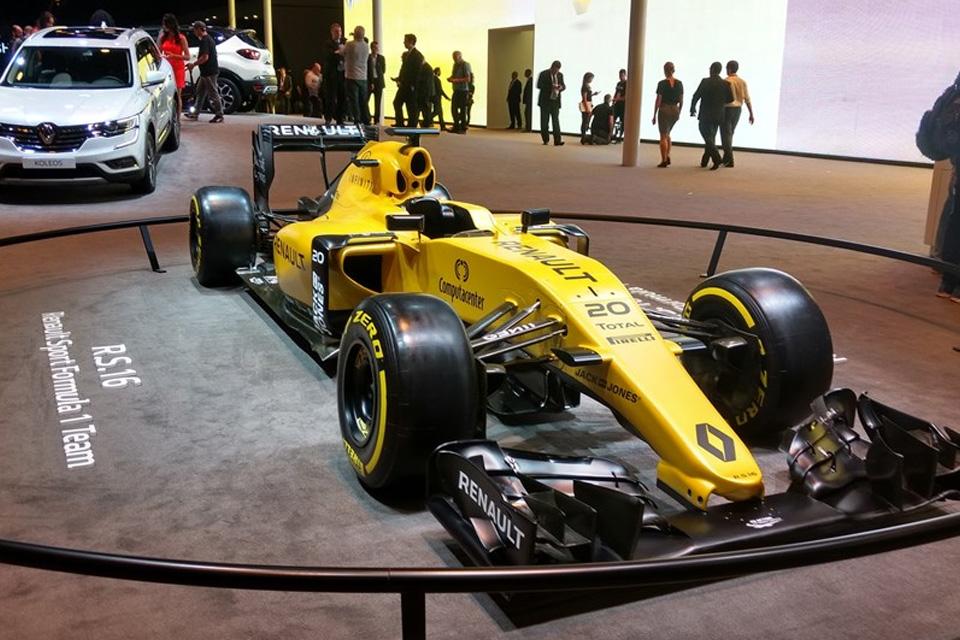 Imagem de Três não é demais: Renault traz novos SUVs e carros de corrida para o Salão no tecmundo