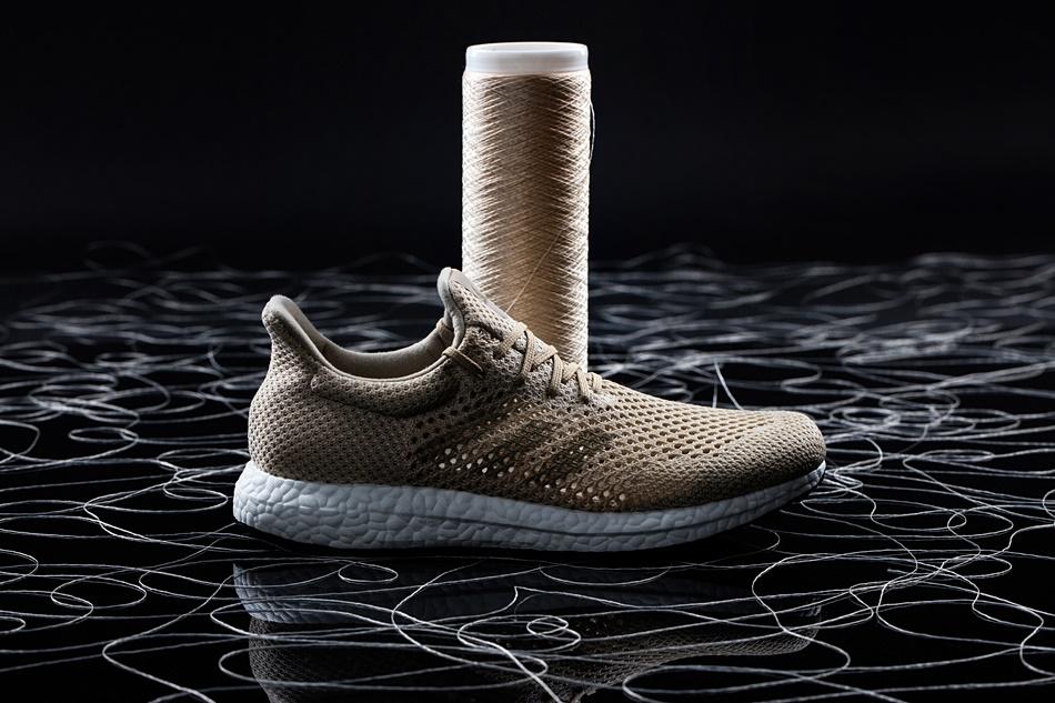 e4a932a0f0f Adidas lança primeiro tênis de performance criado com fibra ...