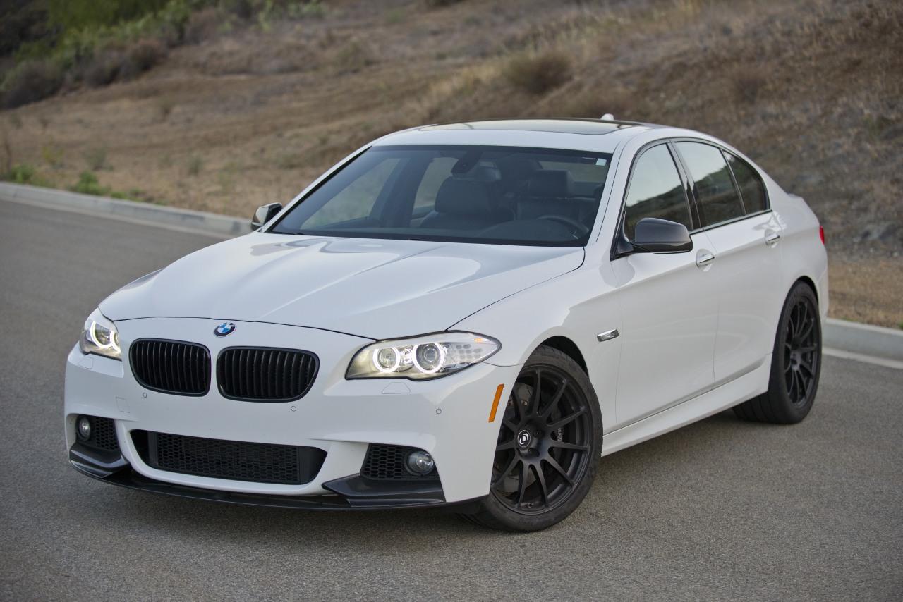 BMW tranca carro roubado à distância com o ladrão dentro