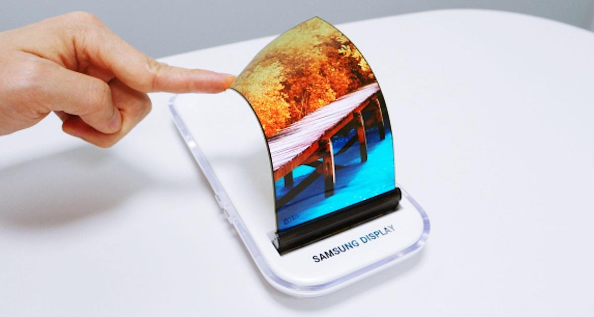 Imagem de Samsung: celular com 'telas gêmeas' pode chegar antes de display flexível no tecmundo