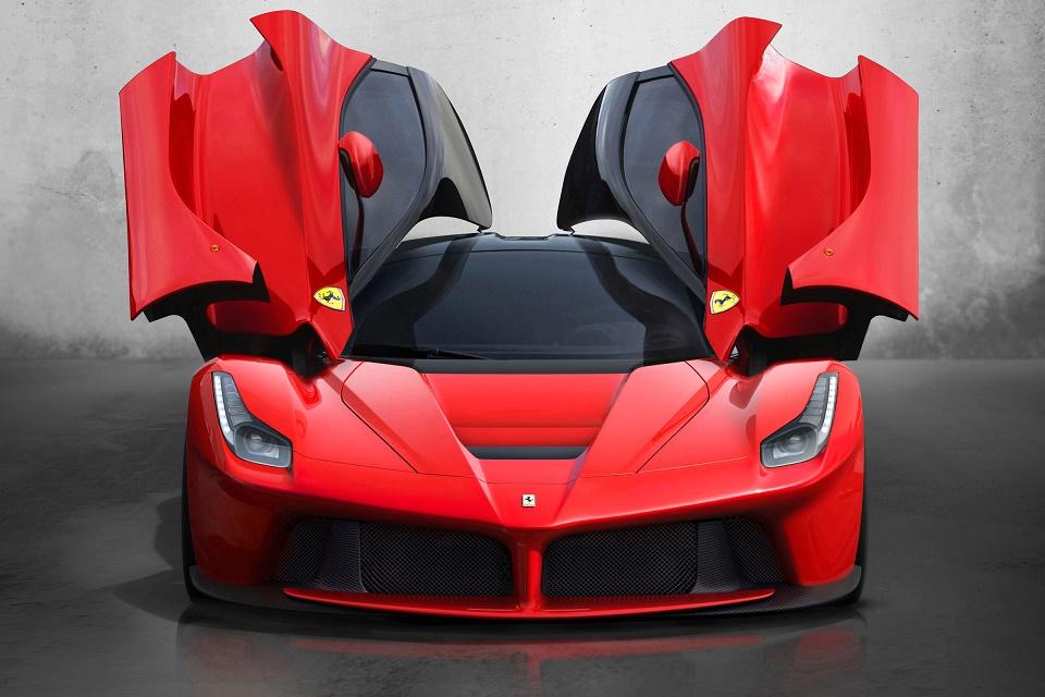 Imagem de Recorde: Ferrari LaFerarri é leiloada e vendida por R$ 24 milhões  no tecmundo