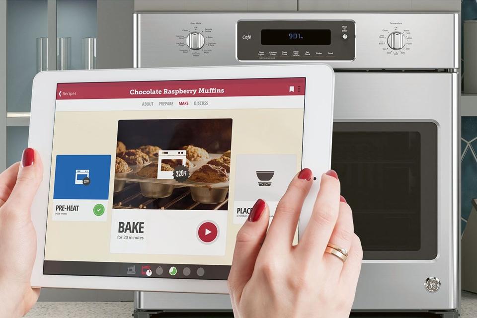 Imagem de Forno inteligente com WiFi da GE impede que você bote fogo na cozinha no tecmundo
