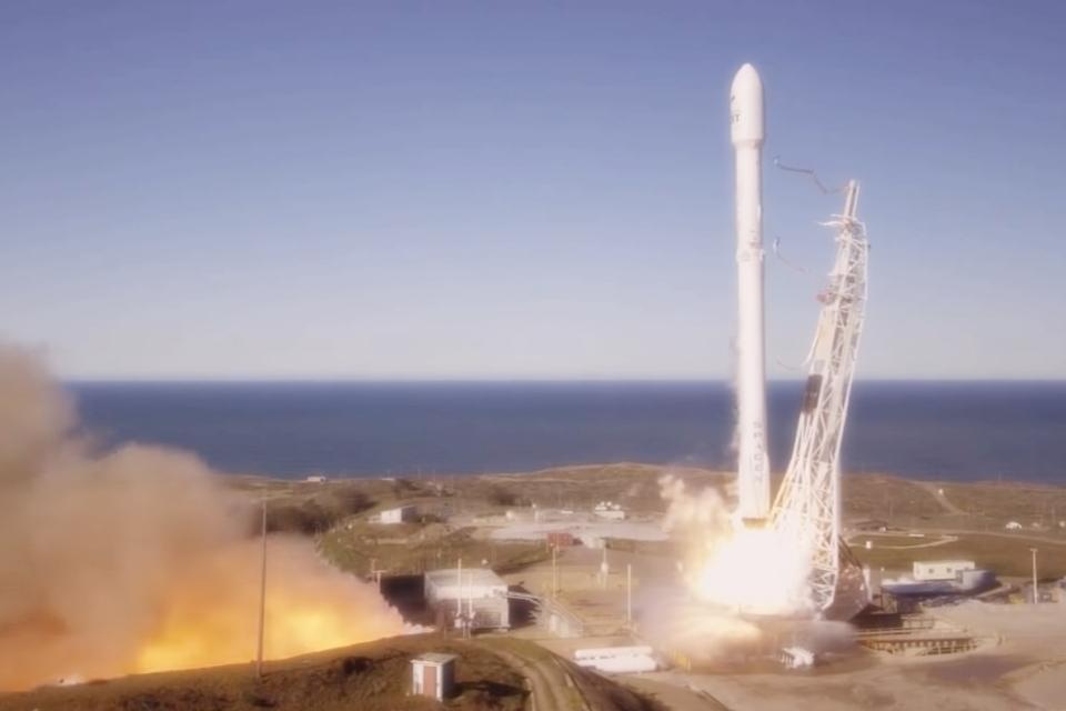 Imagem de SpaceX de Elon Musk volta a fazer lançamentos e aterrissagens de foguetes no tecmundo