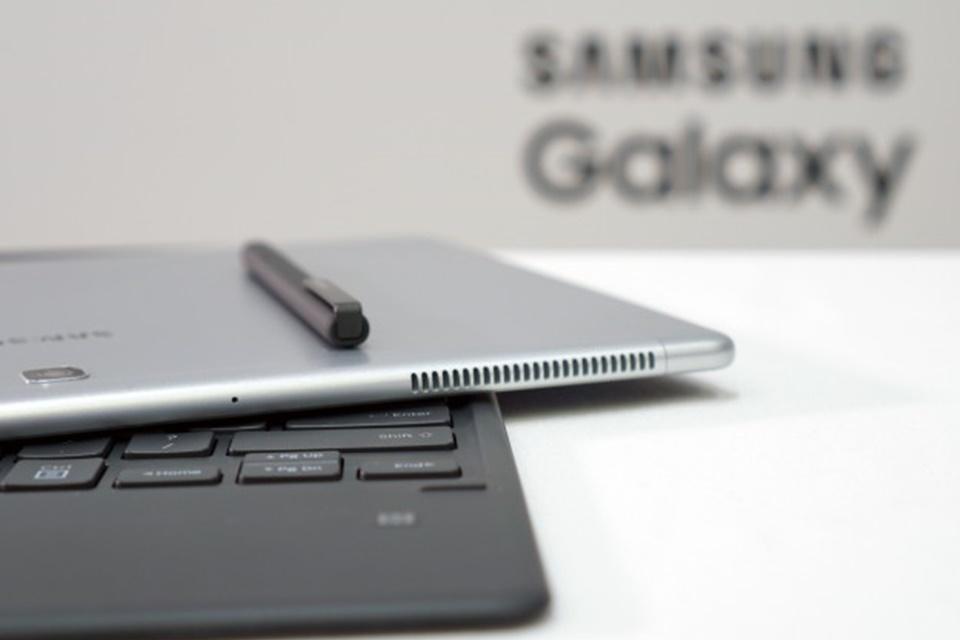 Imagem de Tudo sobre o Galaxy Book, o novos tablet híbrido com Windows 10 da Samsung no tecmundo