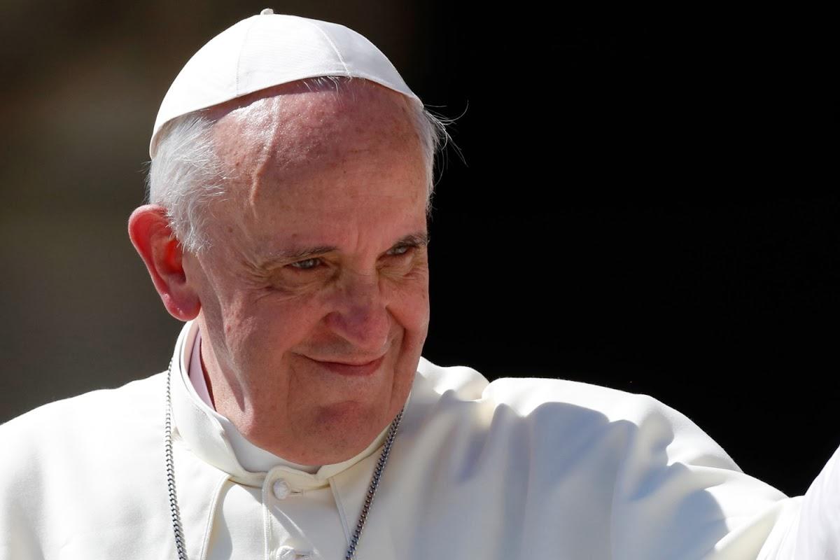 """Imagem de Papa Francisco alerta para """"falsa imagem de realidade"""" nas redes sociais no tecmundo"""