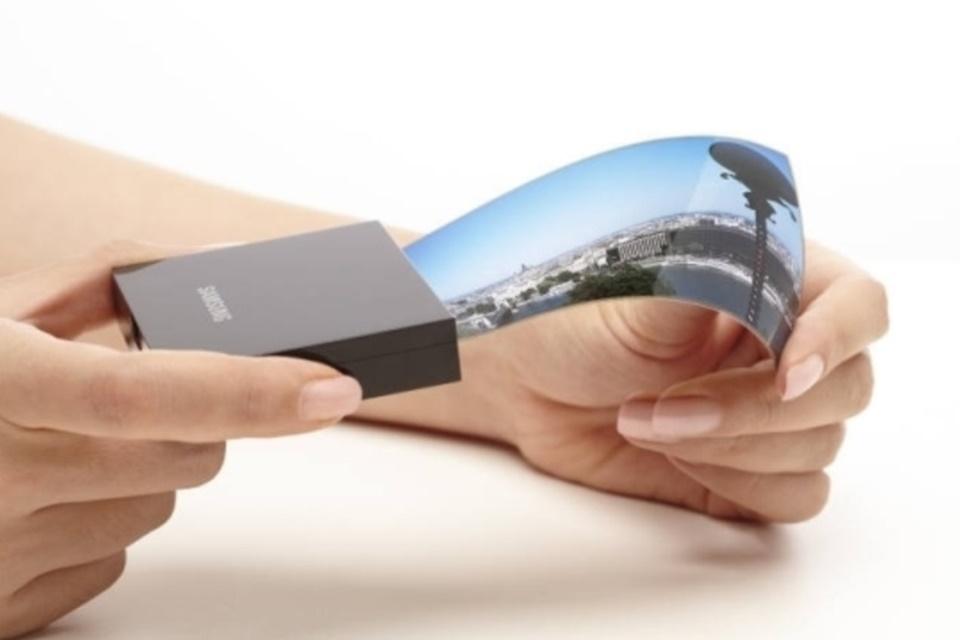 """Imagem de Smartphones dobráveis da Samsung são adiados até """"por volta de 2019"""" no tecmundo"""