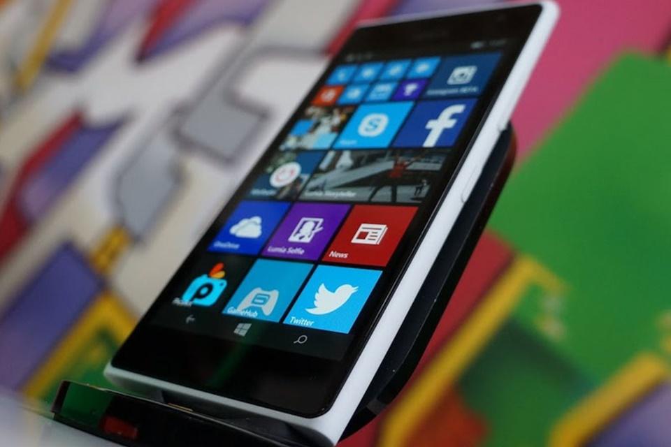 Imagem de Após cancelamento, Lumia 750 ganha vídeo mostrando versão protótipo no tecmundo