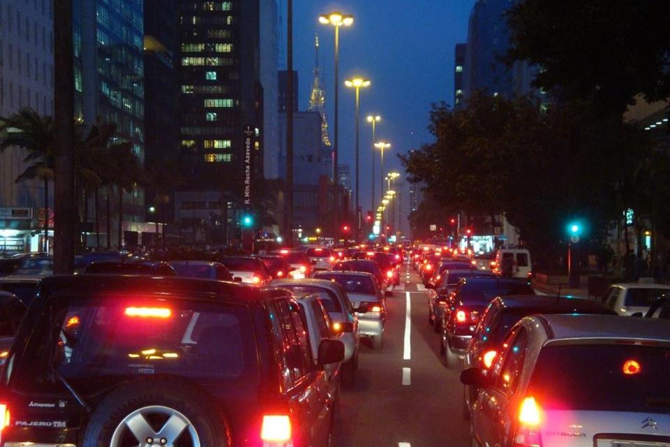 Imagem de Testamos o app gratuito de GPS online e offline TomTom GO Brasil no tecmundo