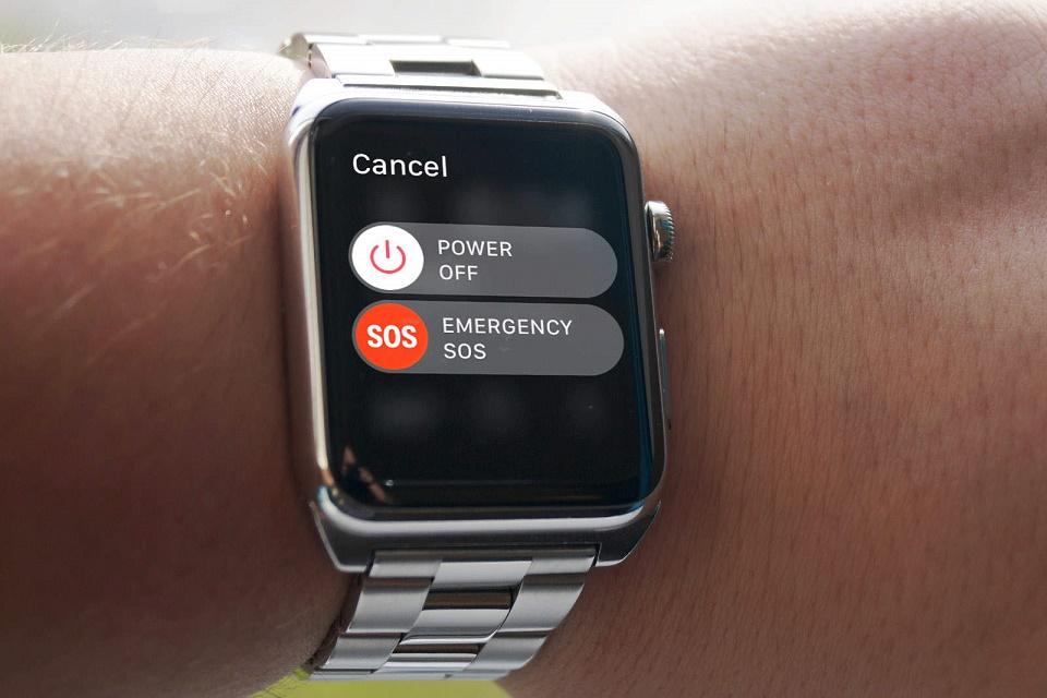 Imagem de Jovem de 22 anos sofre acidente e consegue ajuda por causa do Apple Watch no tecmundo