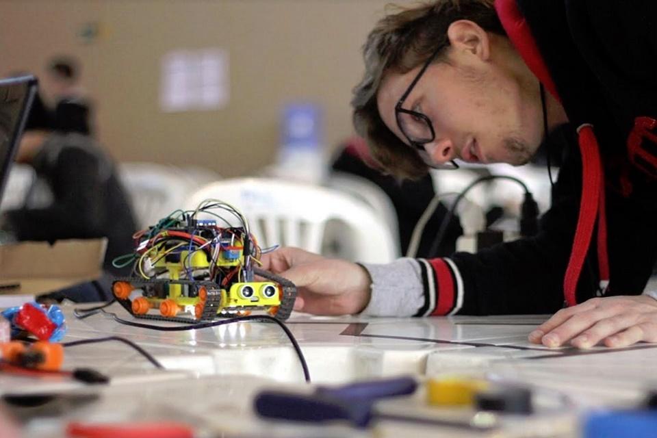 Imagem de Olimpíada Brasileira de Robótica estimula a competição de estudantes no tecmundo