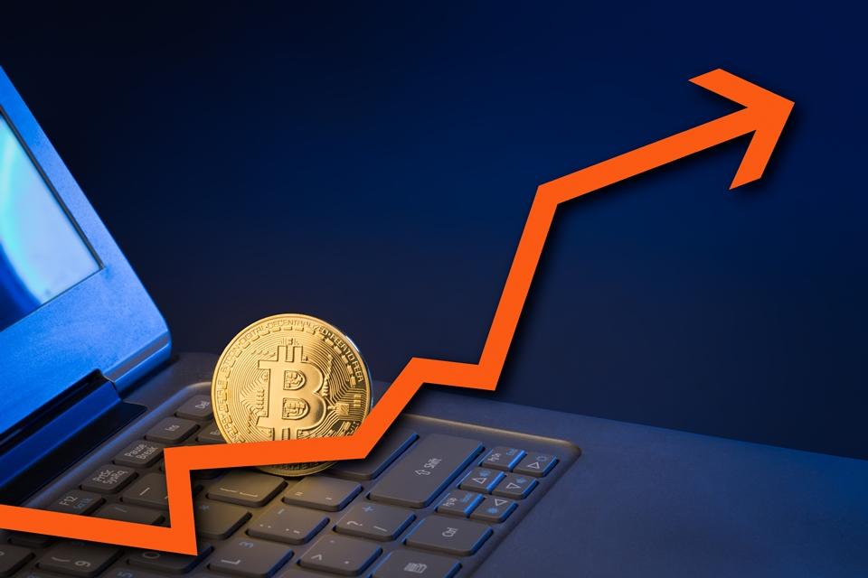Imagem de Vale ouro! Bitcoin chega a R$ 5 mil pela primeira vez no tecmundo