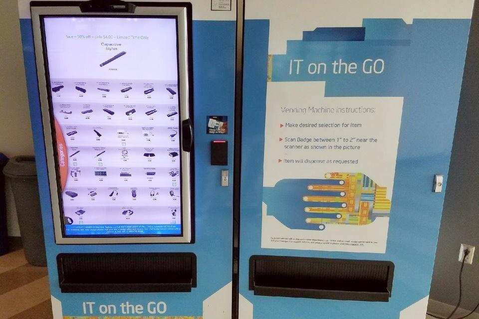 Imagem de Centro de pesquisas da Intel tem máquina automática de componentes no tecmundo