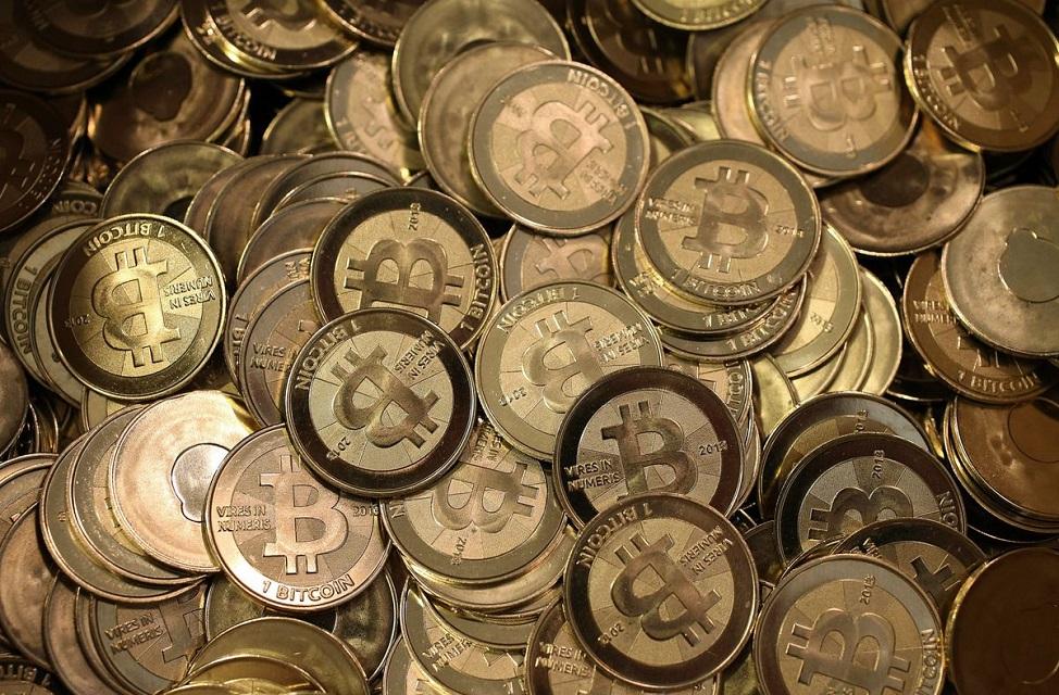 Imagem de Em alta, bitcoin já vale mais de R$ 7,2 mil no tecmundo