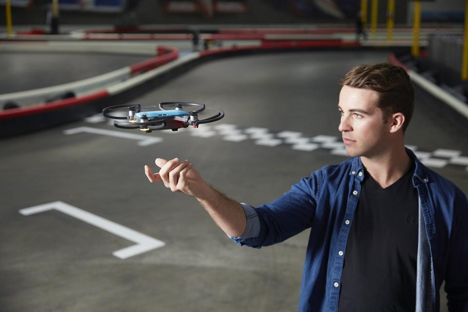 Imagem de Novo drone da DJI pode ser comandado com gestos de mão no tecmundo
