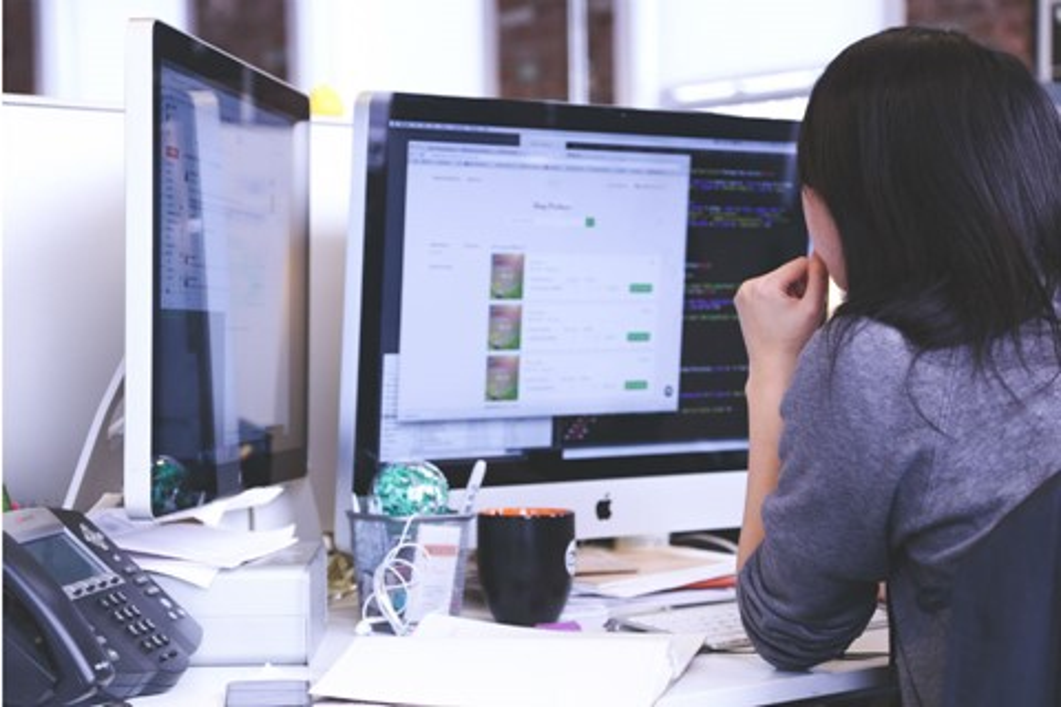 Imagem de Google, Apple e Facebook no currículo: como conseguir o emprego dos sonhos no tecmundo