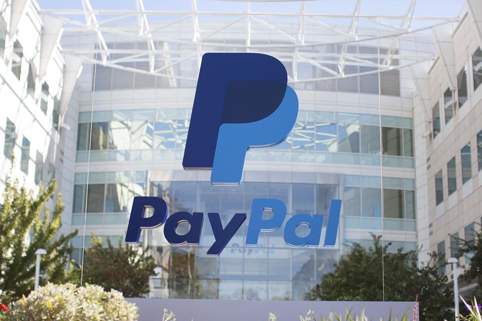 Imagem de PayPal começa a transferir dinheiro instantaneamente para contas bancárias no tecmundo