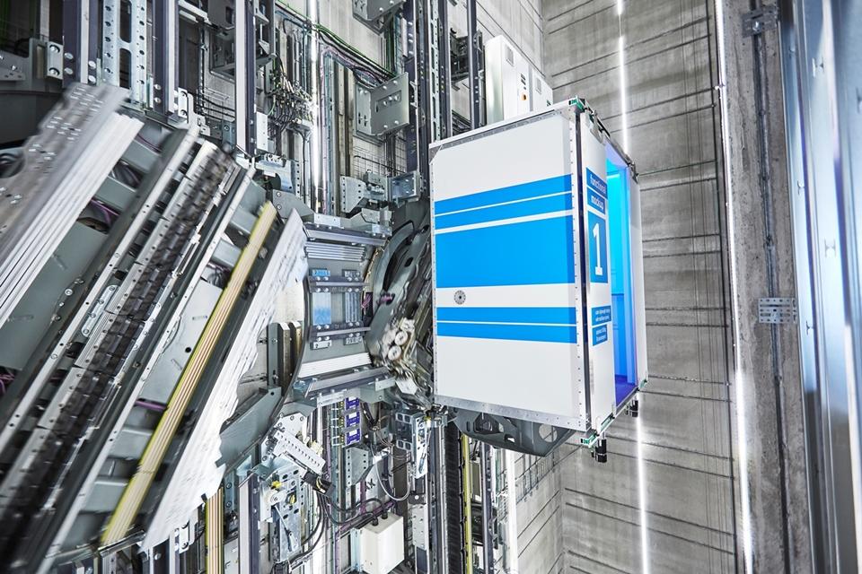 Imagem de Primeiro elevador sem cabos e que anda na horizontal inaugura na Alemanha no tecmundo
