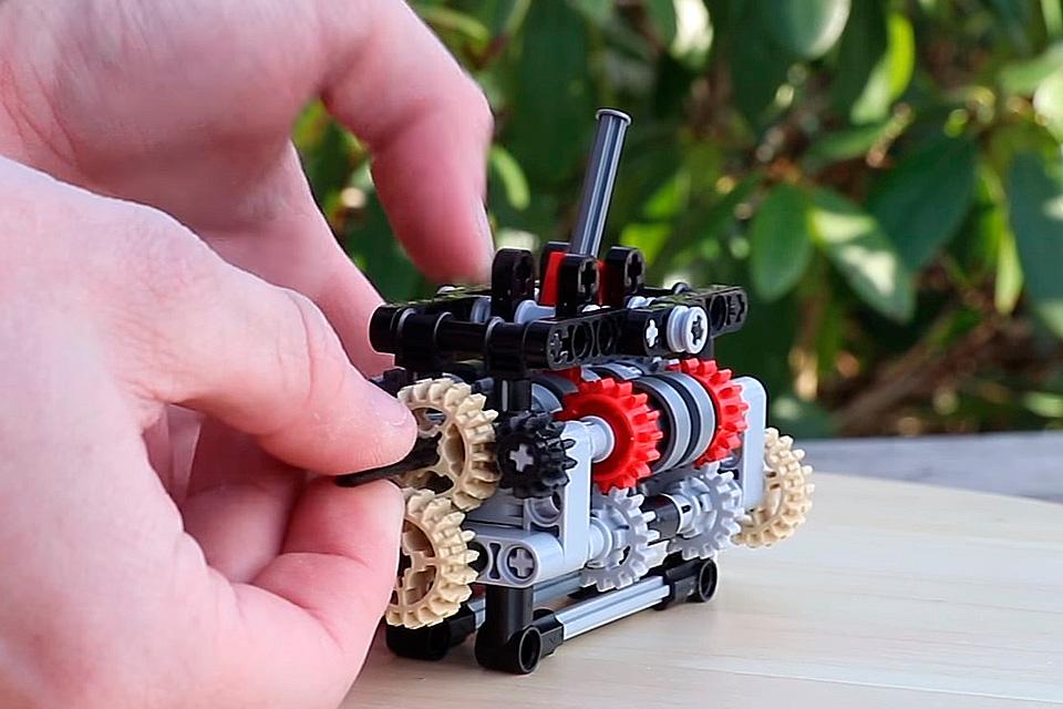 Imagem de Esse cara montou uma réplica funcional de câmbio de 6 marchas usando LEGO no tecmundo