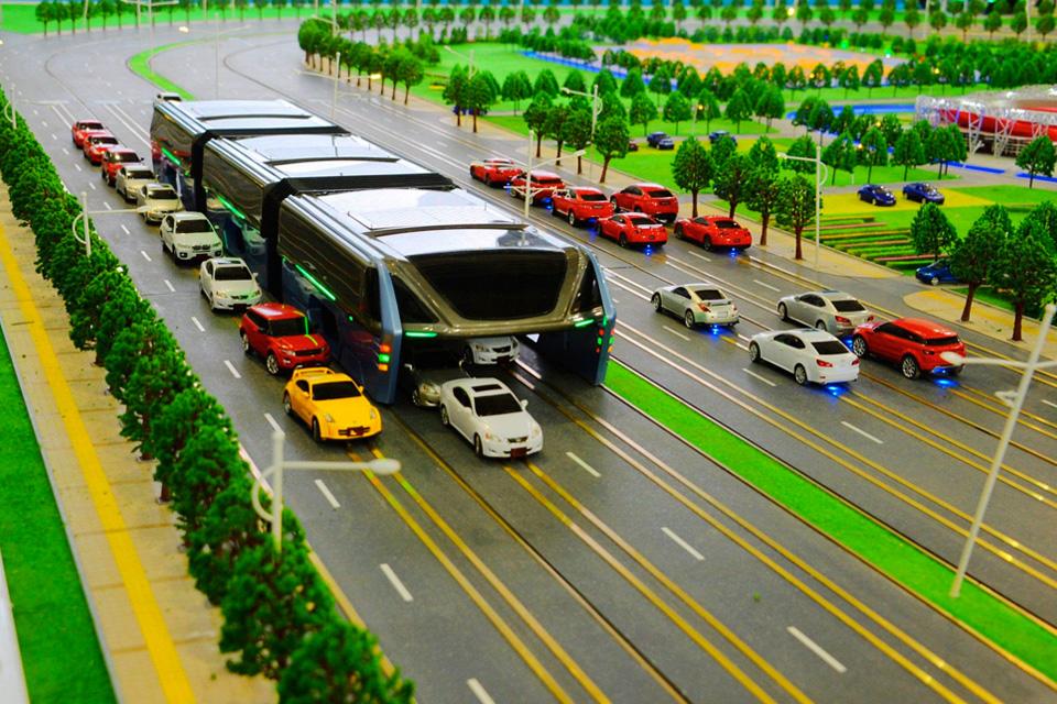 """Imagem de China está investigando se """"ônibus engolidor de carros"""" não é uma fraude no tecmundo"""