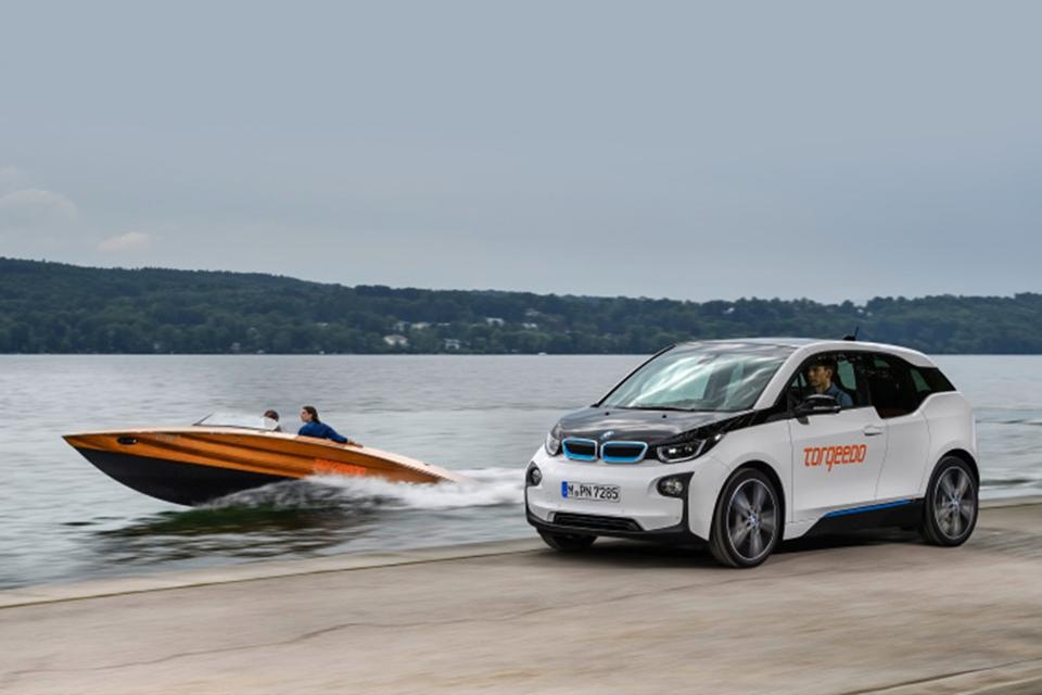 Imagem de Elétrico e aquático: barcos elétricos da Torqeedo usam baterias da BMW no tecmundo