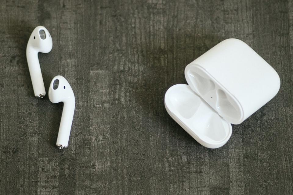 Imagem de Apple registra patente que adiciona sensor biométrico cardíaco aos AirPods no tecmundo