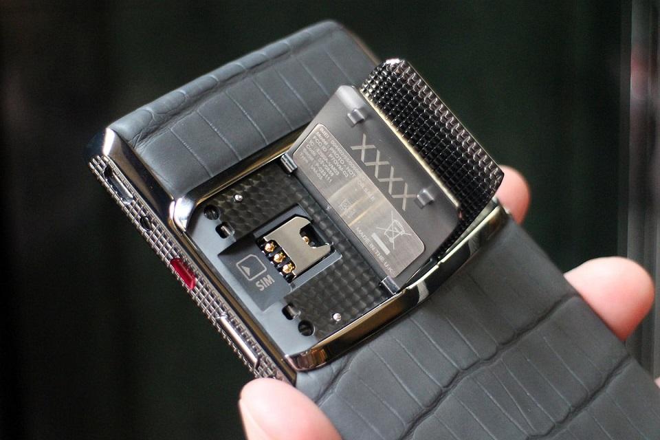 Imagem de Vertu entende que ninguém compra celular de US$ 50 mil e fecha as portas no tecmundo