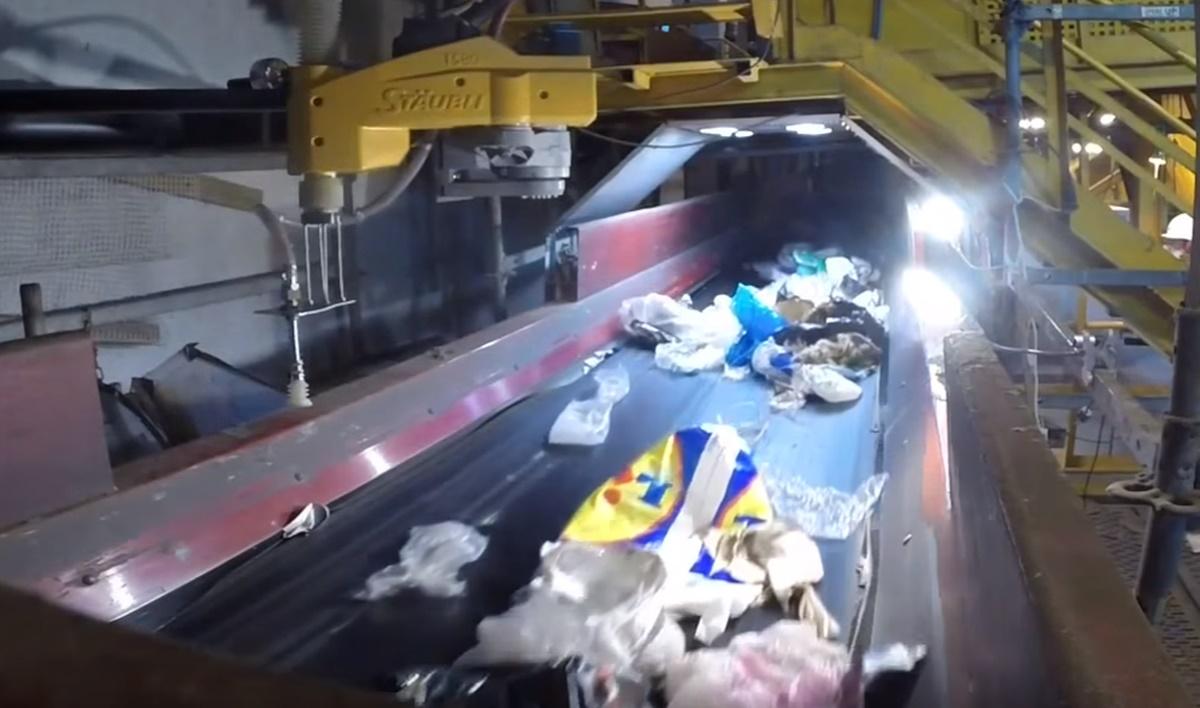 Imagem de O futuro da reciclagem? Robôs separadores de materiais no tecmundo