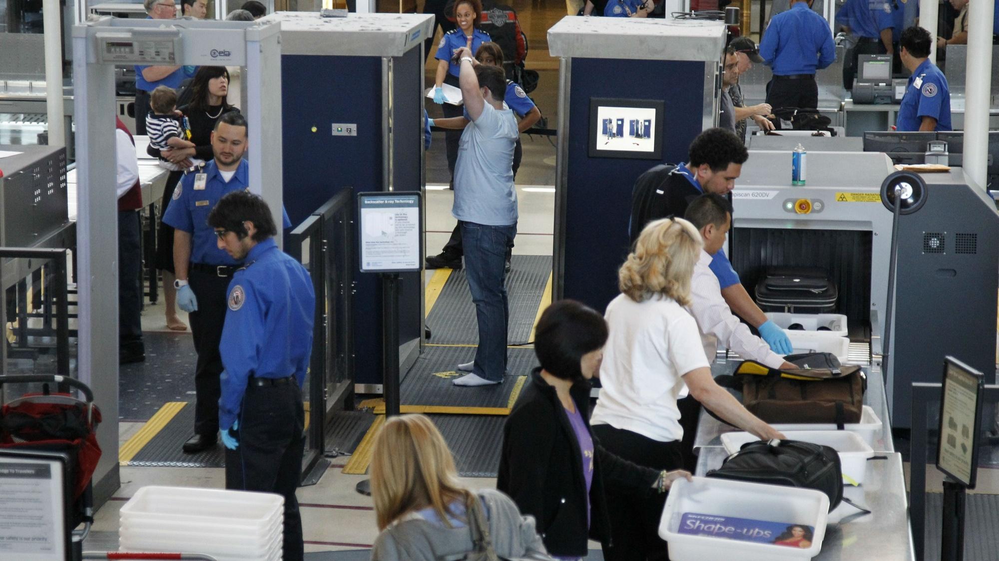 """Imagem de TSA vai escanear eletrônicos """"maiores que um celular"""" em aeroportos dos EUA no tecmundo"""