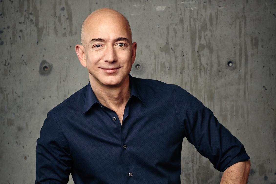 Imagem de Jeff Bezos, fundador da Amazon, se torna a pessoa mais rica do mundo no tecmundo