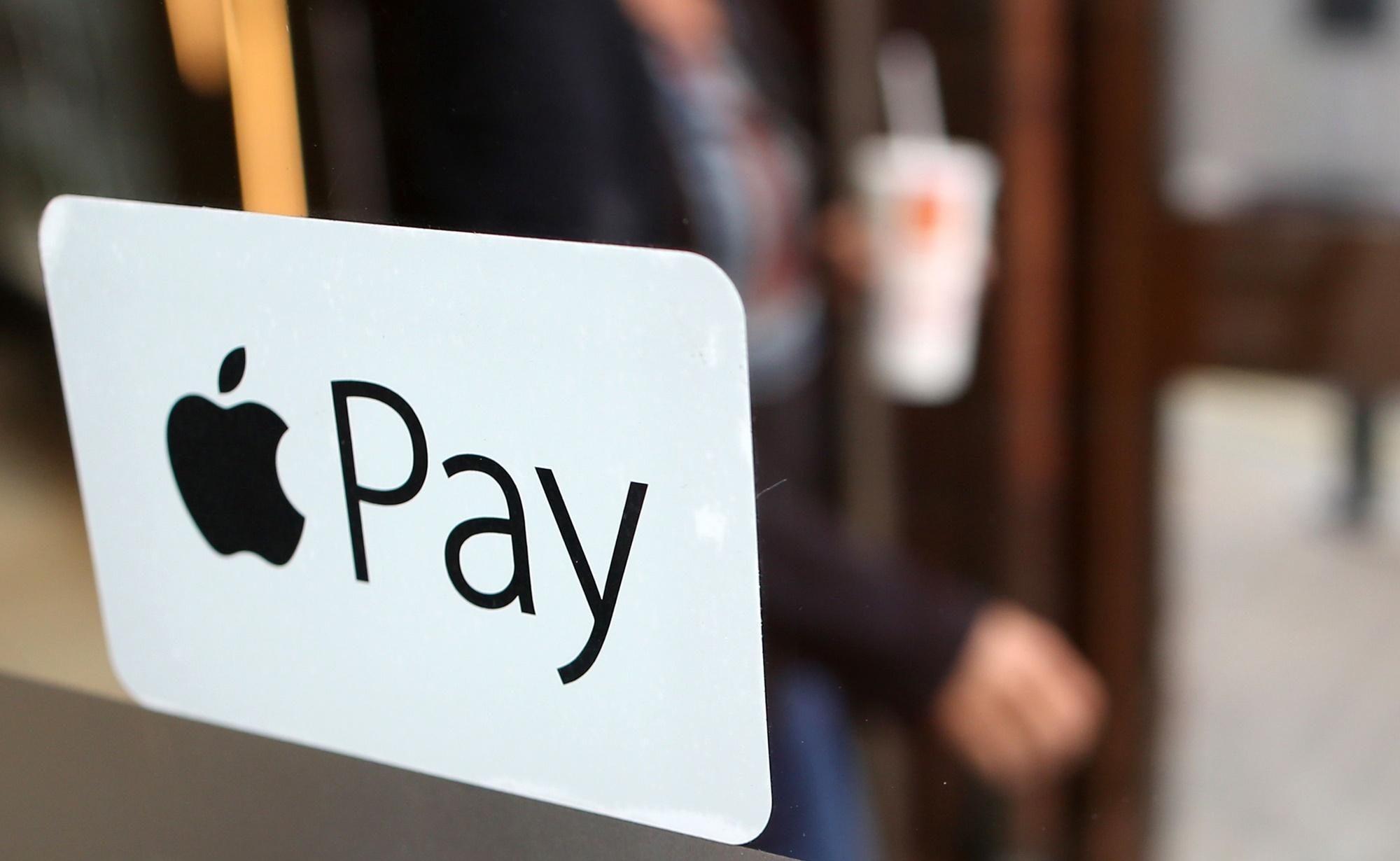 Imagem de Apple está tirando suporte do Apple Pay para sites de grupos de ódio no tecmundo