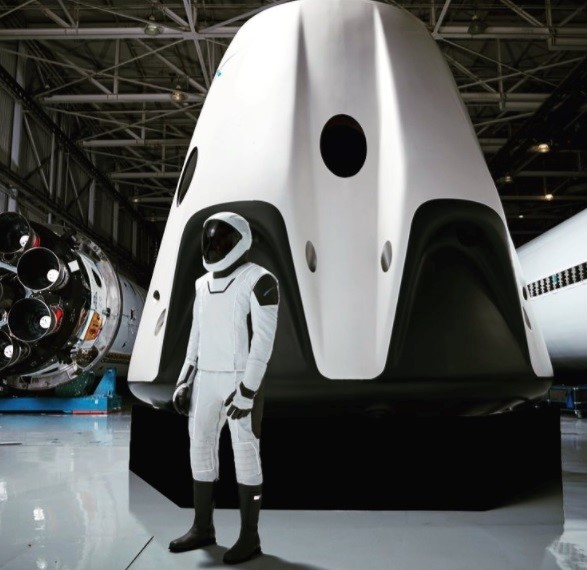 SpaceX suit espacial