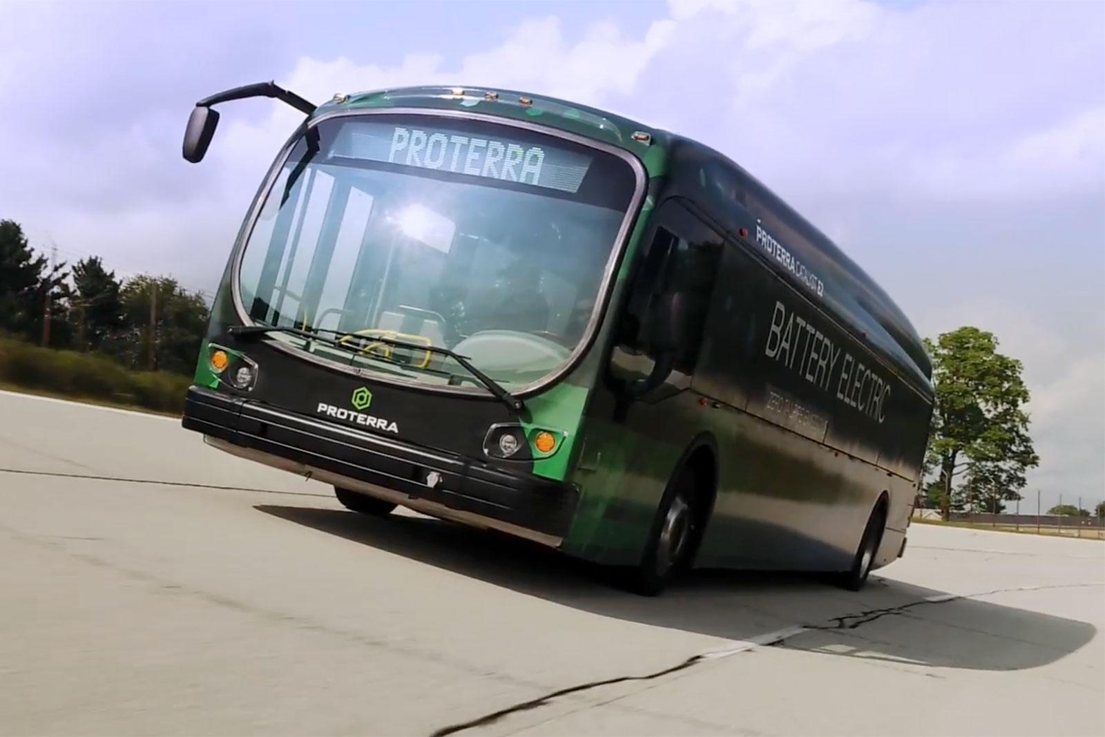 Imagem de Ônibus elétrico anda mais de 1,7 mil km com apenas uma carga de bateria no tecmundo