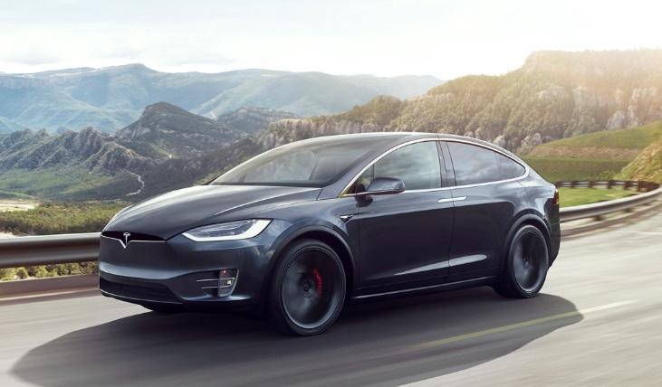O carro Tesla Model X.