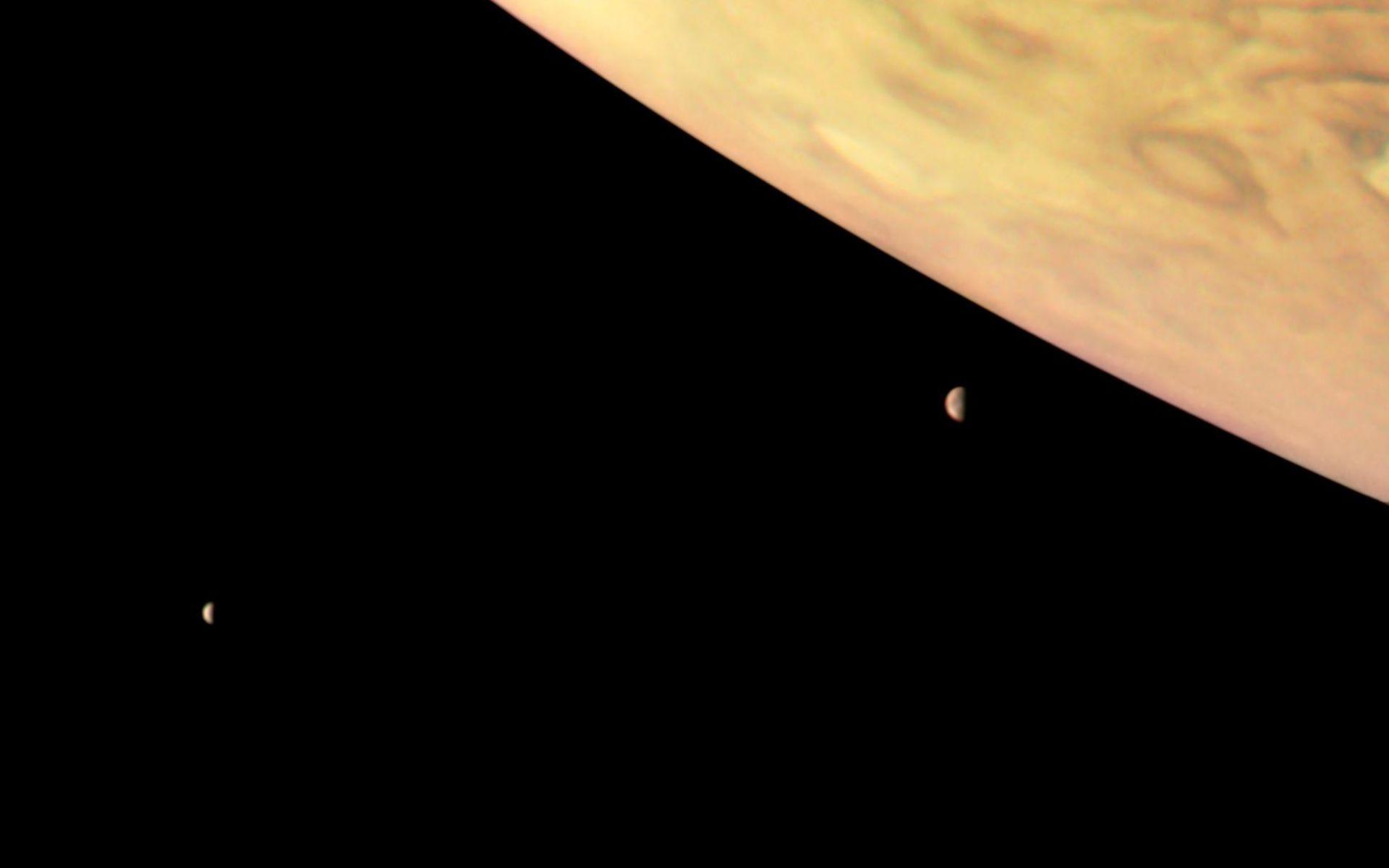 Foto de Júpiter, Io e Europa