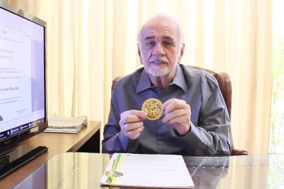 Imagem de Morre o brasileiro inventor do Bina, antigo identificador de chamadas no tecmundo