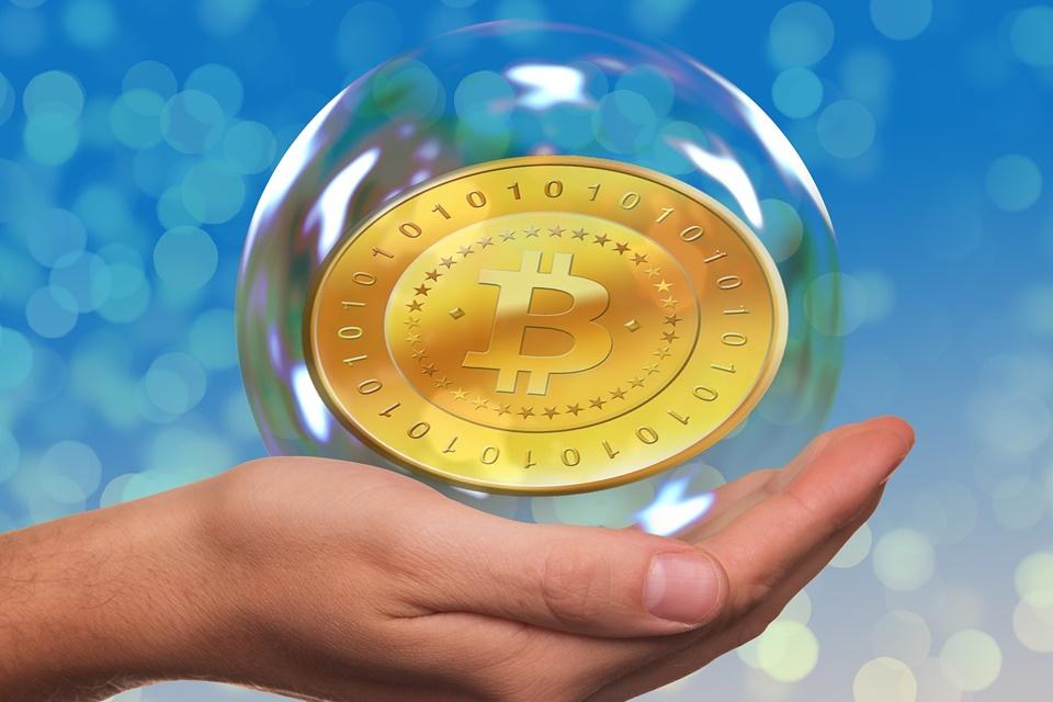 Imagem de Analistas falam sobre Bitcoin, bolha, pirâmide financeira e fintechs no tecmundo