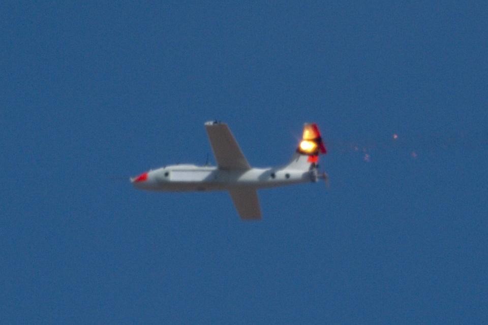Imagem de Arma laser da Lockheed ateia fogo e derruba cinco drones em pleno voo no tecmundo