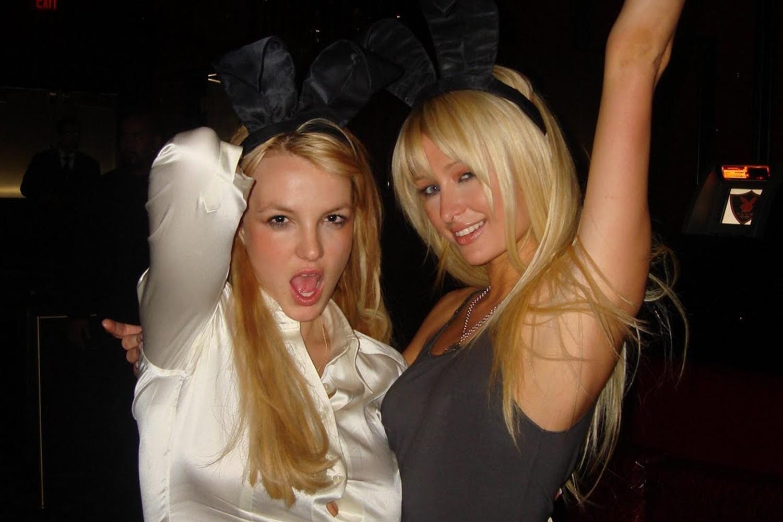 Imagem de Paris Hilton insinua que ela e Britney Spears inventaram a selfie no tecmundo