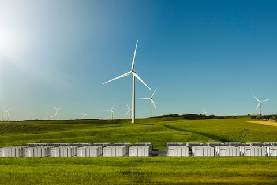 Imagem de Prometeu e cumpriu: Elon Musk entrega bateria gigante em menos de 100 dias no tecmundo