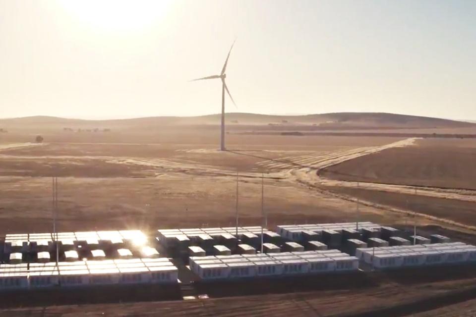 Imagem de Bateria gigante de Elon Musk já está funcionando na Austrália Meridional no tecmundo