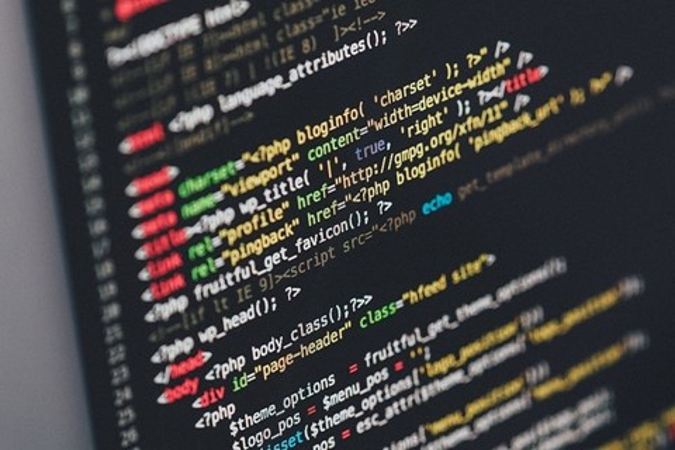 Imagem de Conheça as linguagens de programação que mais crescem no mercado de TI no tecmundo