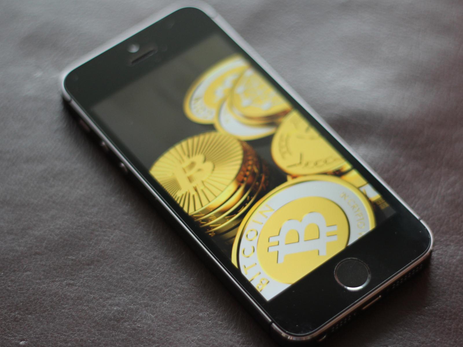 Imagem de Dá para minerar bitcoins usando um iPhone? Sim, mas será que vale a pena? no tecmundo