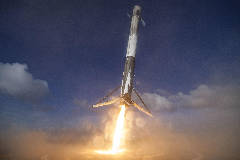 Imagem de Lançamento misterioso de nave secreta pela SpaceX é cancelado de novo no tecmundo