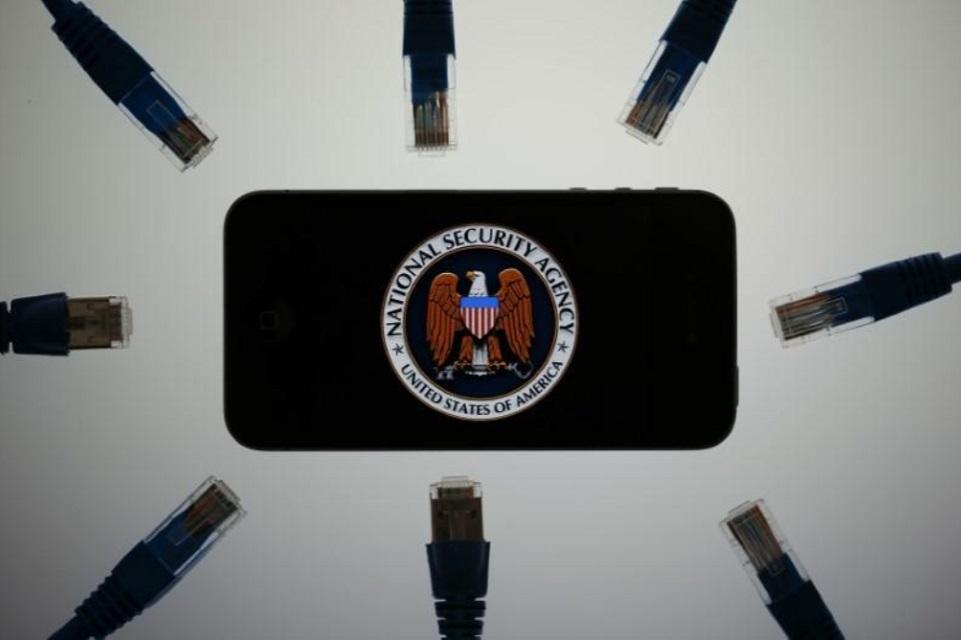 Imagem de EUA aprova lei de espionagem enquanto Trump faz confusão no Twitter no tecmundo