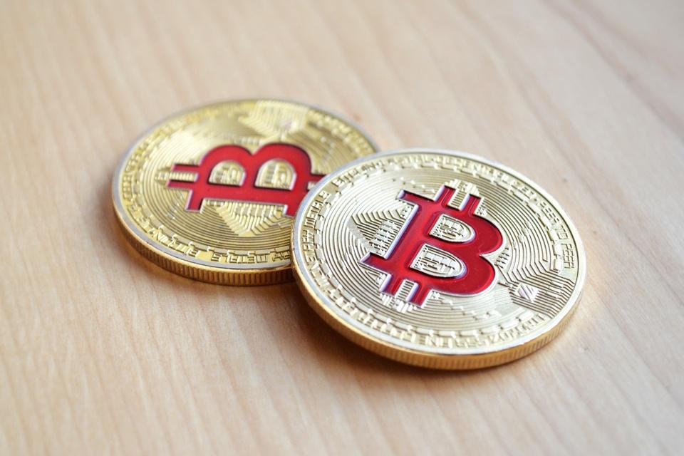 Imagem de Valor do bitcoin despenca mais de 15% em menos de 24 horas no tecmundo