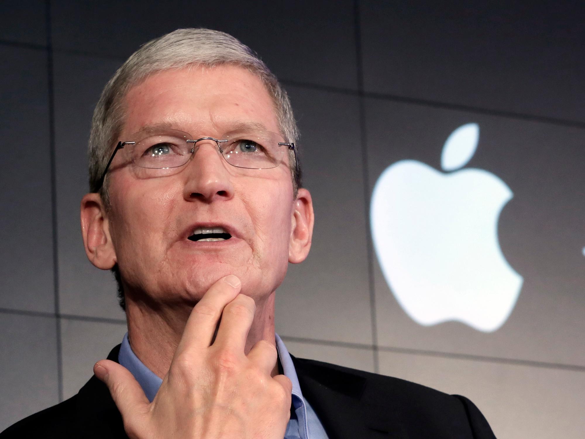 Apple diz ter avisado os consumidores que iria limitar os iPhone