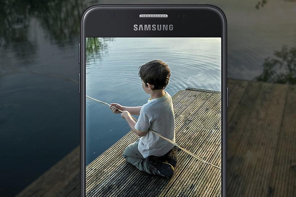 Imagem de Novo Samsung Galaxy J para 2018 vaza em benchmarks; veja as especificações no tecmundo